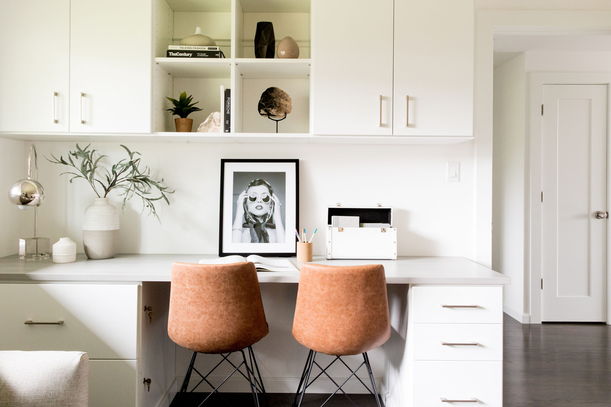 Urban Domain is a boutique home staging and interior design firm providing exceptional design services to Seattle's Eastside, Seattle, Bellevue, Sammamish, Medina, Kirkland, Tacoma. Our signature clean, urban aesthetic and sophisticated style embody the PNW lifestyle and modern living.